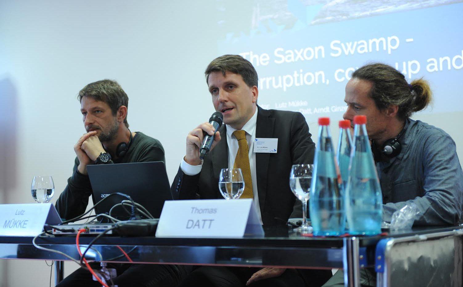 """Moderation zum Thema """"Sachsensumpf"""", mit Thomas Datt (r.) und Arndt Ginzel (l.) auf dem Europäischen Medienfreiheit-Kongress (c) ECPMF"""
