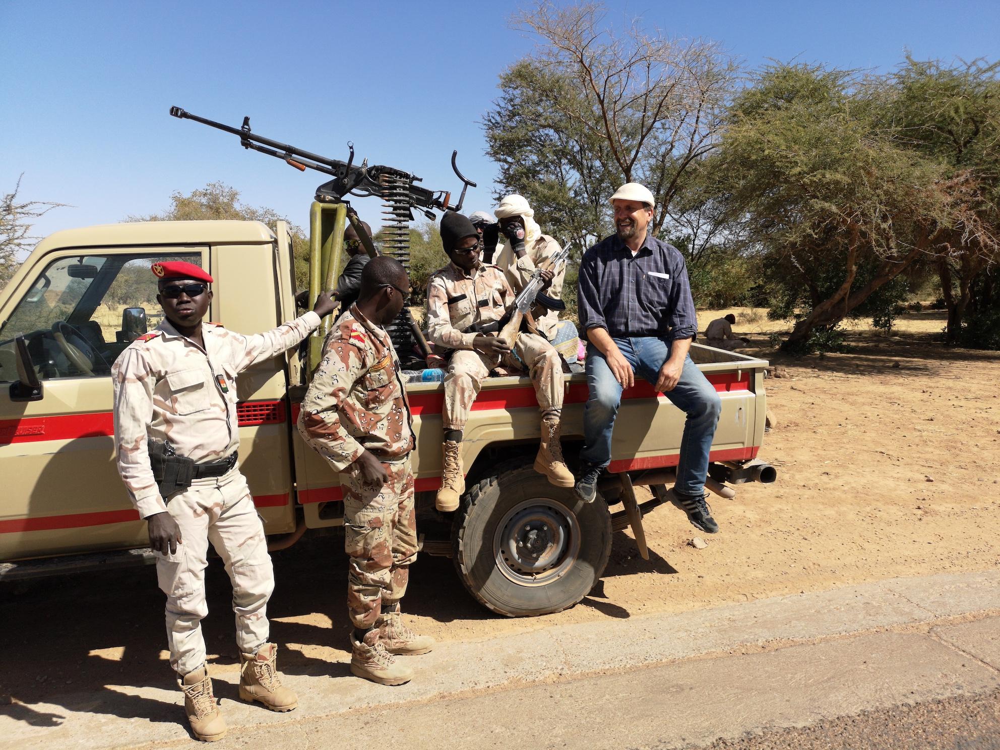 En route avec la garde nationale nigérienne (c) Lutz Mükke